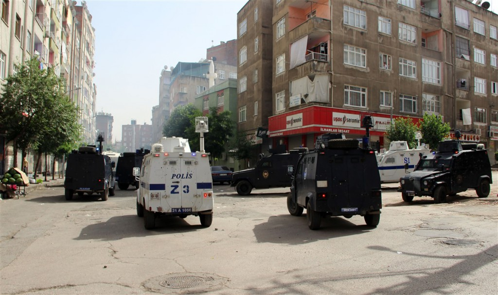 police-attack3